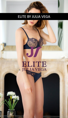Elite escort madrid natural breast 1