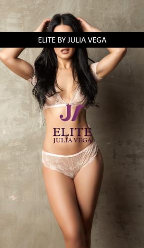 Shana luxury escort Barcelona natural breast 7