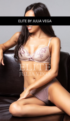 Lucia Natural Luxury Escort Madrid University Escort tantra