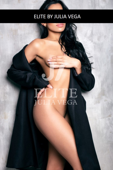 Tamara escort lujo barcelona natural colombian