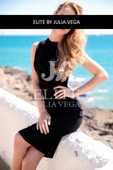 Elsa-luxury-escort-Barcelona-natural-breast-51
